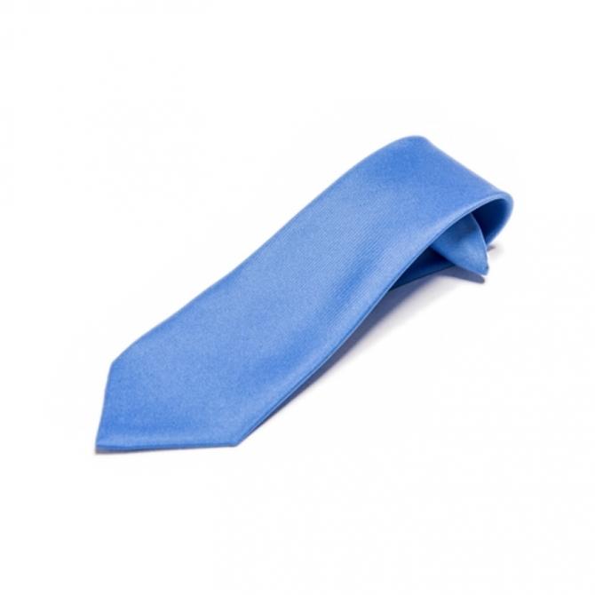 jak dobrać krawat do garnituru dla chłopca